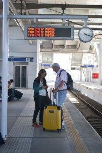 Metro de Atenas - começa na superfície